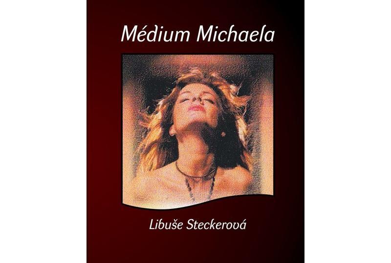 Medium Michaela